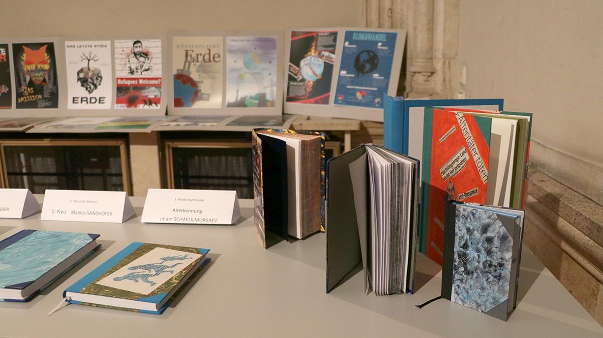 Arbeiten Buchbinder und Medienfachleute (Hintergrund)